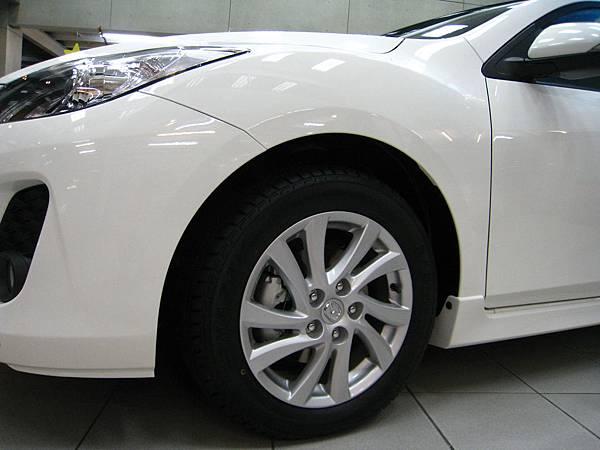 New Mazda3胎框