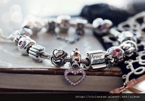 bracelet_image1-300x209.png