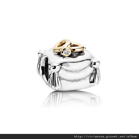 pandora-wedding-bands-on-pillow1.jpg