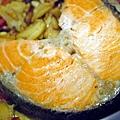 迎春鮮蔬鮭魚紅釜飯 (2)-壓標