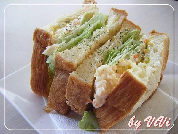 沙拉蛋三明治培