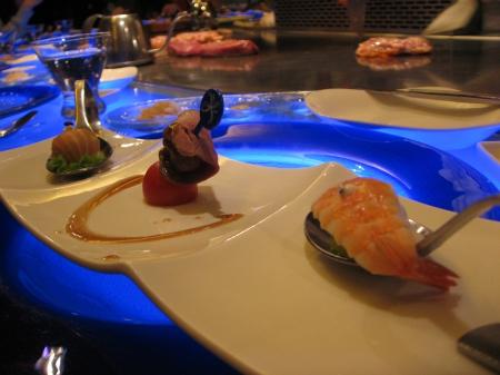 開胃菜-魚子醬鮭魚球、鮮蝦水果盅、鵝肝冰酒凍