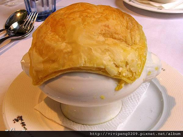 湯品-蘑菇濃湯+派皮酥烤