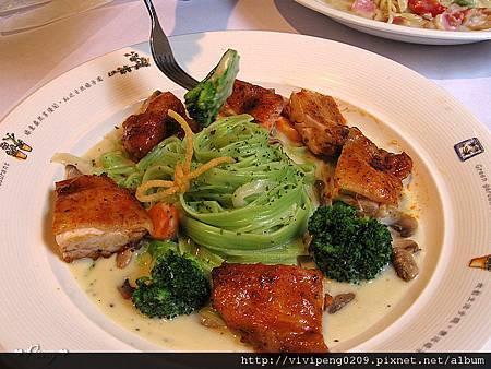 義大利麵類-嫩雞腿奶油菠菜麵