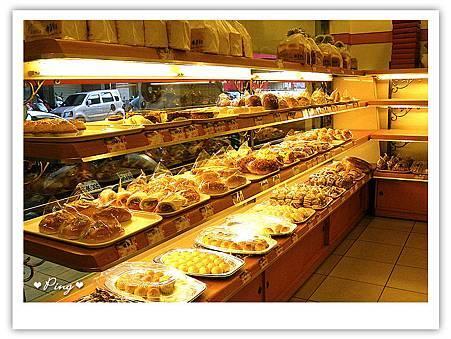 偉多利-麵包區.jpg