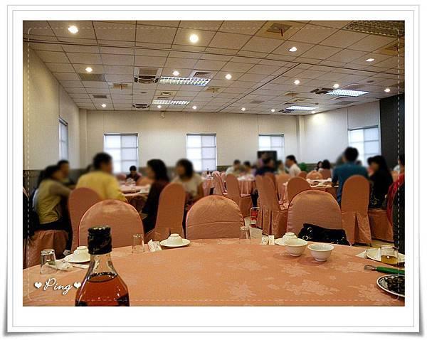 新聖地-用餐環境-2.jpg