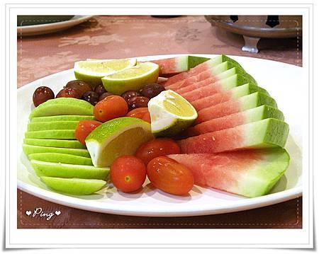 新聖地-菜色-11-水果拼盤.jpg