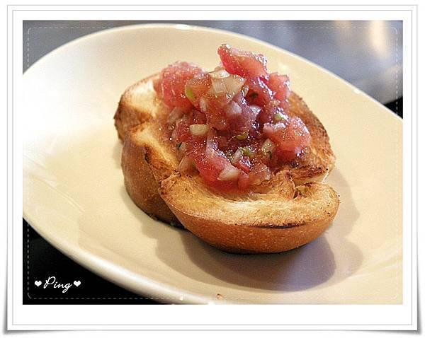 上品苑-沙拉麵包.jpg