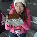 在冷冷的山上吃巧克力>///<