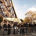 Eiffel Tower- 排隊人潮