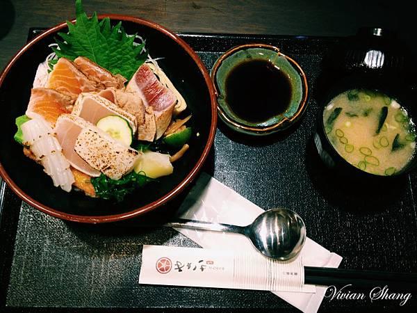 炙燒海鮮丼 $190