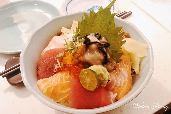 生蠔海鮮丼 $260