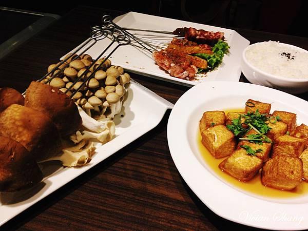 招牌酸菜魚+麻辣燙一鍋兩吃