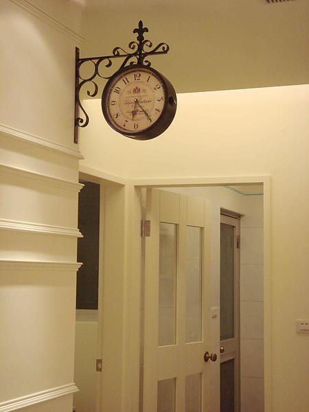 clock1.jpg
