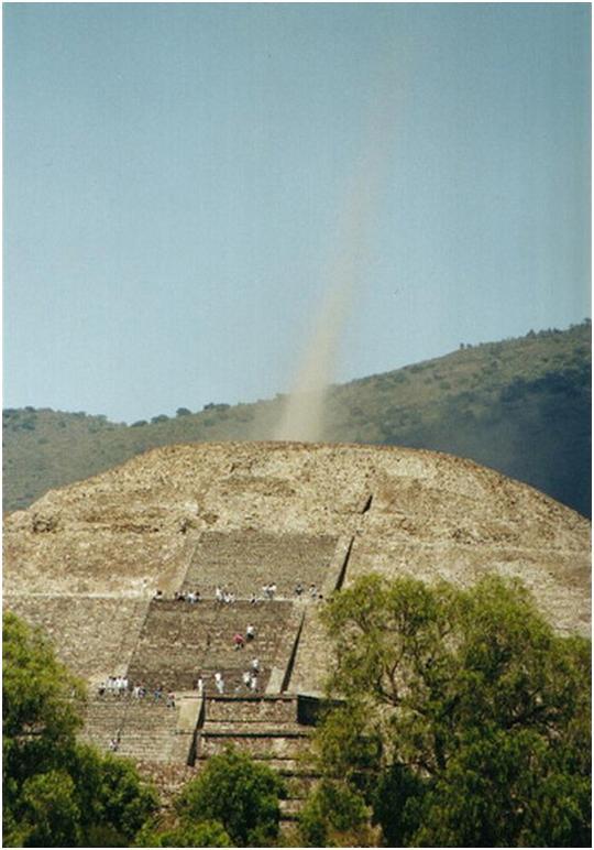 波士尼亞的太陽金字塔出現神秘的能量束!_03.jpg