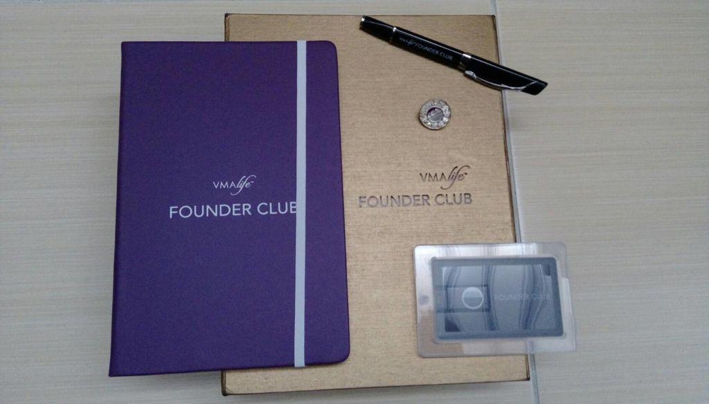 創辦人俱樂部成員禮物