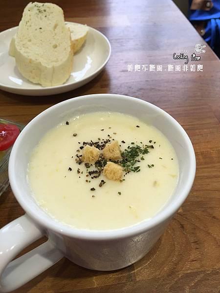 《高雄美食》Zone Café 弄咖啡 (2).jpg
