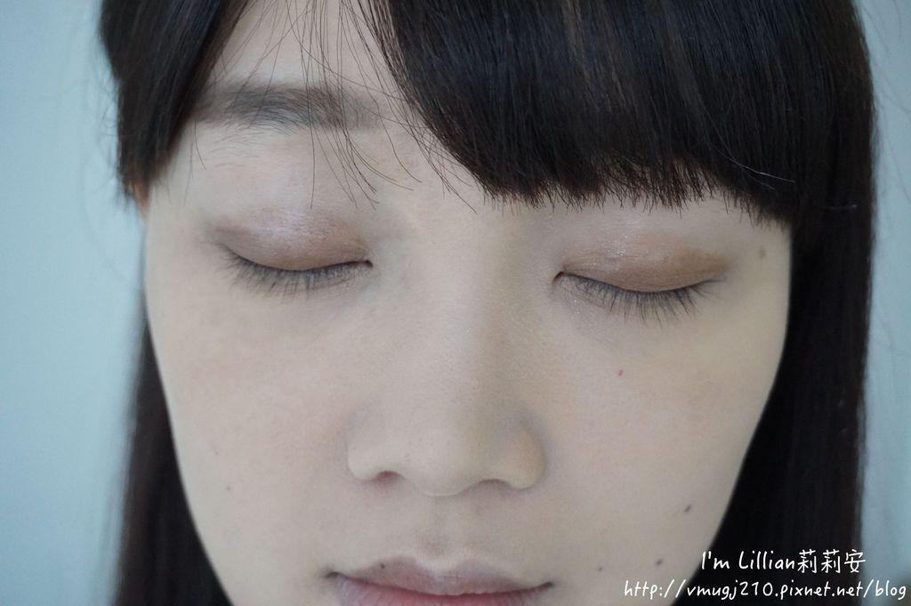 韓國innisfree眼影筆58綠茶系列.JPG