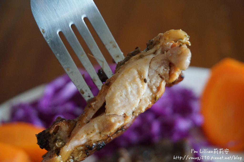 年菜推薦BBQ烤雞腿排豬肋排55J%5Cskitchen.JPG