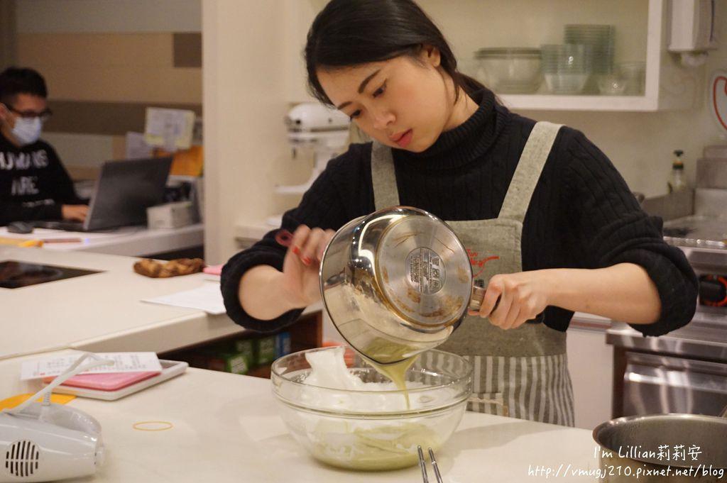 台北烘焙教室推薦 funcooking瘋食課26你知我知好學網 蛋糕捲食譜.JPG