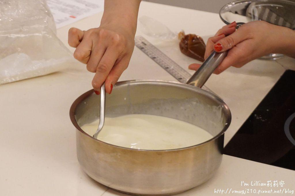 台北烘焙教室推薦 funcooking瘋食課64你知我知好學網 蛋糕捲食譜.JPG