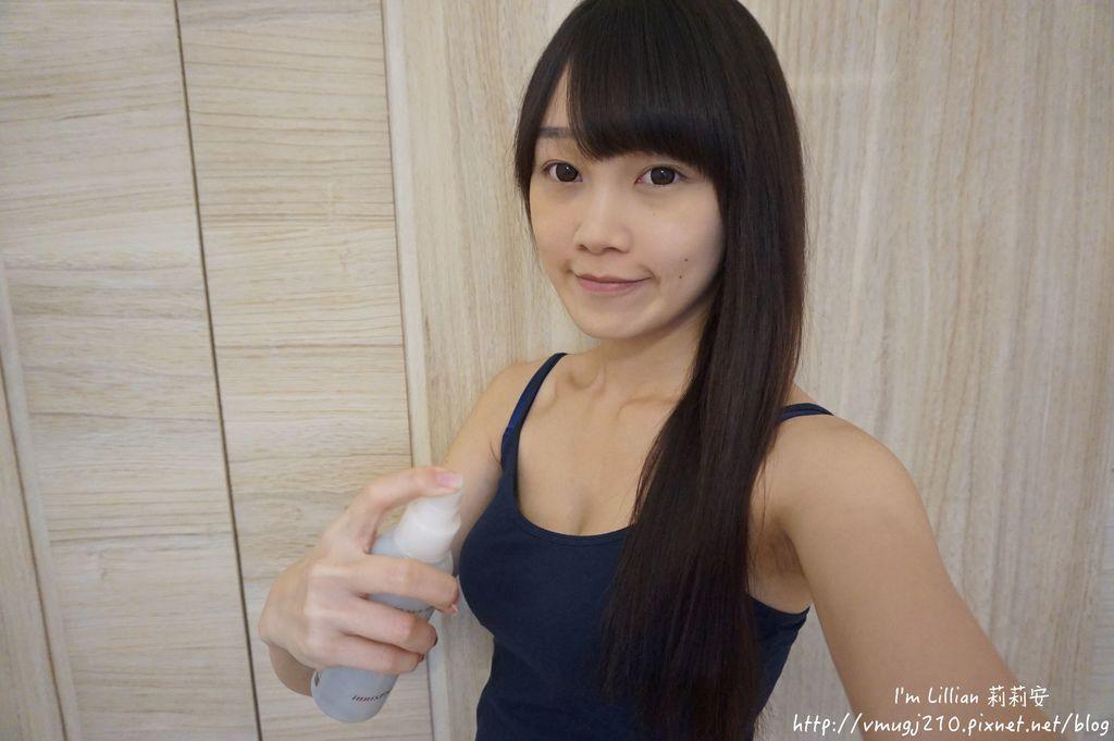 韓國美妝推薦innisfree128超潤色CC舒芙蕾粉餅 我的小棕瓶.JPG