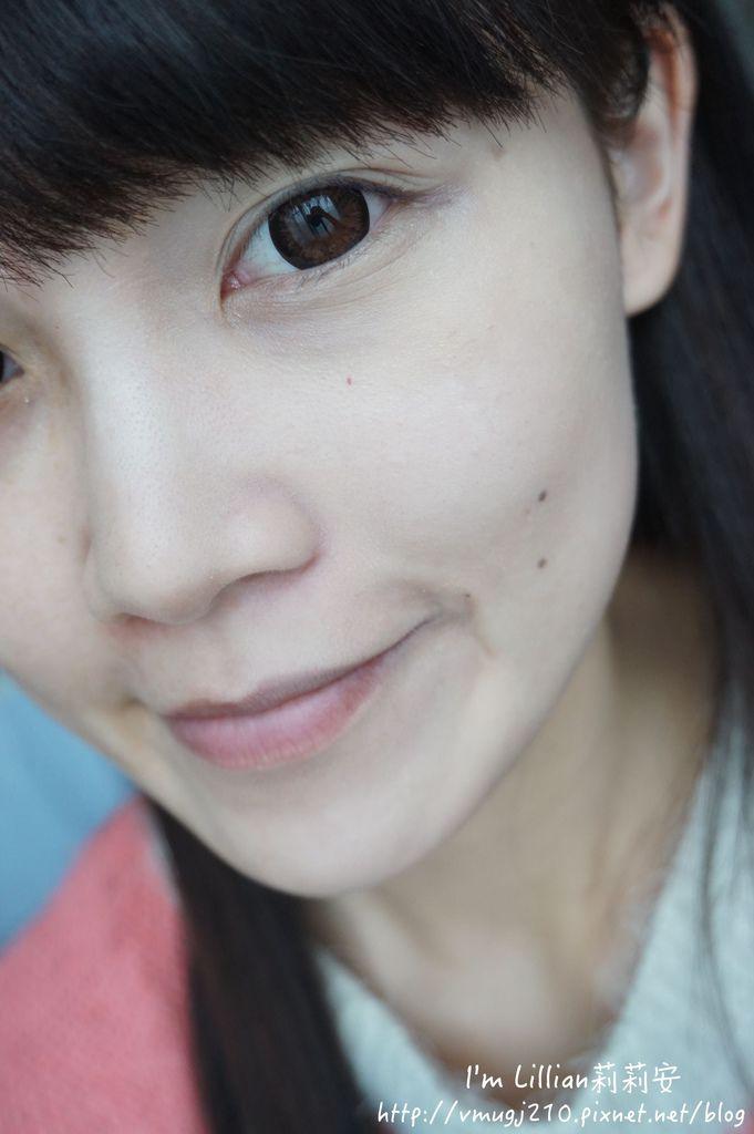韓國美妝推薦innisfree157超潤色CC舒芙蕾粉餅 我的小棕瓶.JPG