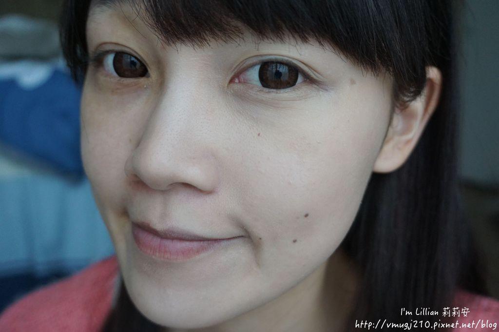 韓國美妝推薦innisfree163超潤色CC舒芙蕾粉餅 我的小棕瓶.JPG