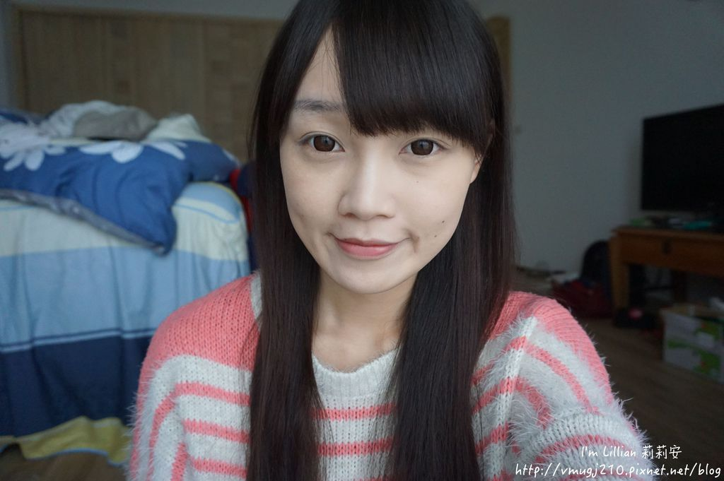 韓國美妝推薦innisfree184超潤色CC舒芙蕾粉餅 我的小棕瓶.JPG