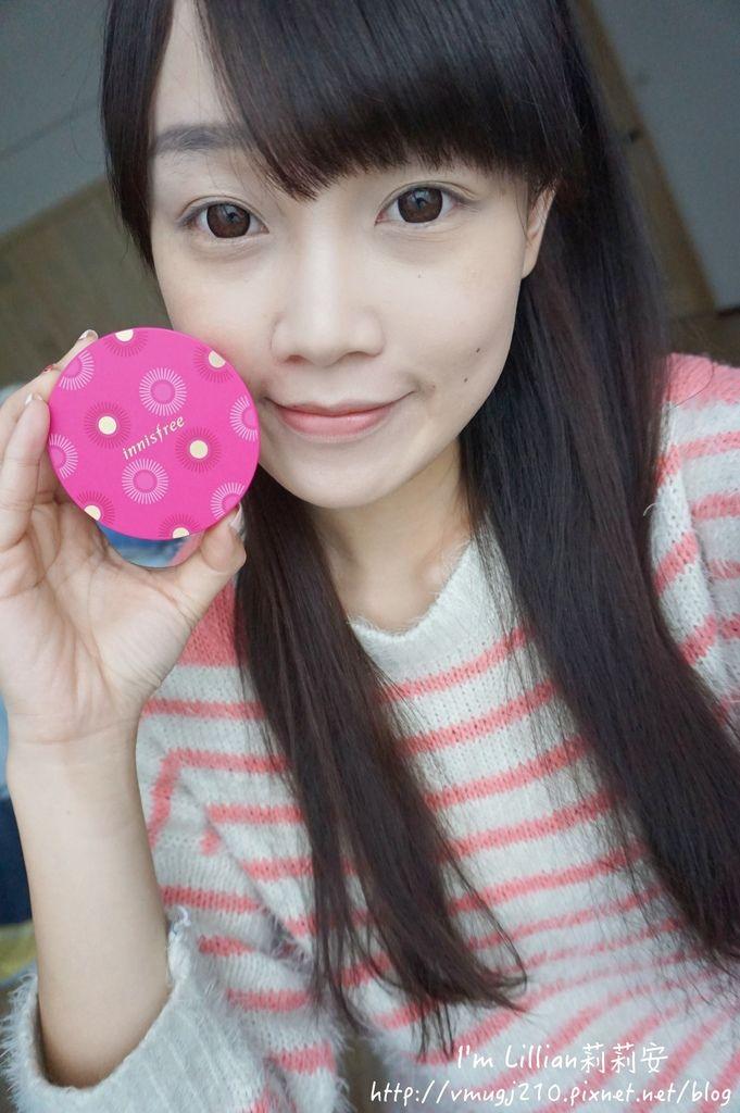 韓國美妝推薦innisfree189超潤色CC舒芙蕾粉餅 我的小棕瓶.JPG