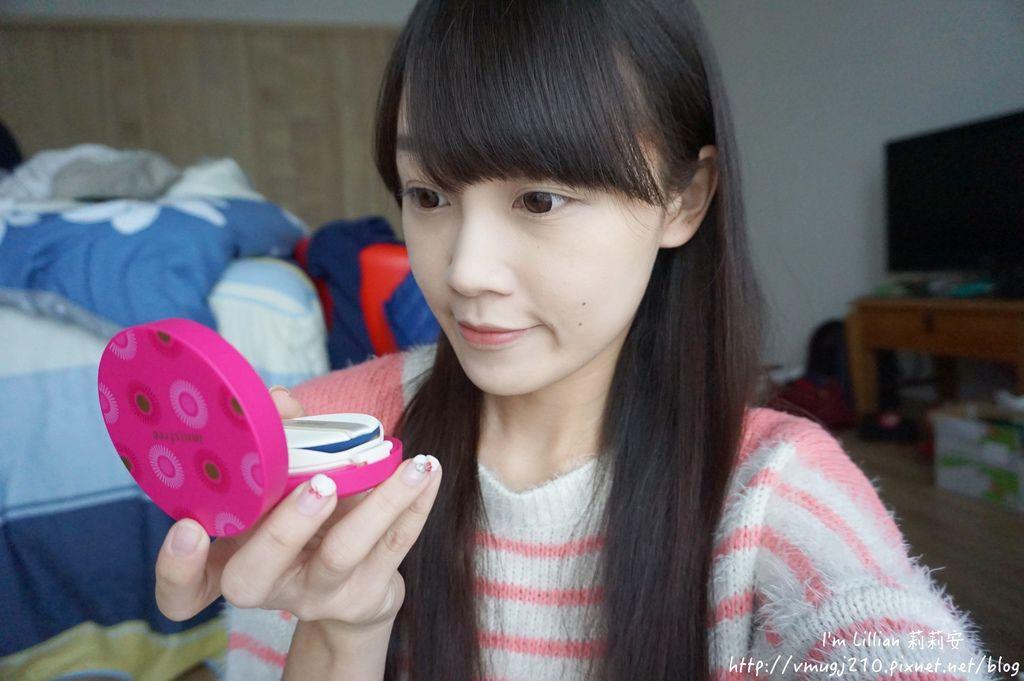 韓國美妝推薦innisfree192超潤色CC舒芙蕾粉餅 我的小棕瓶.JPG