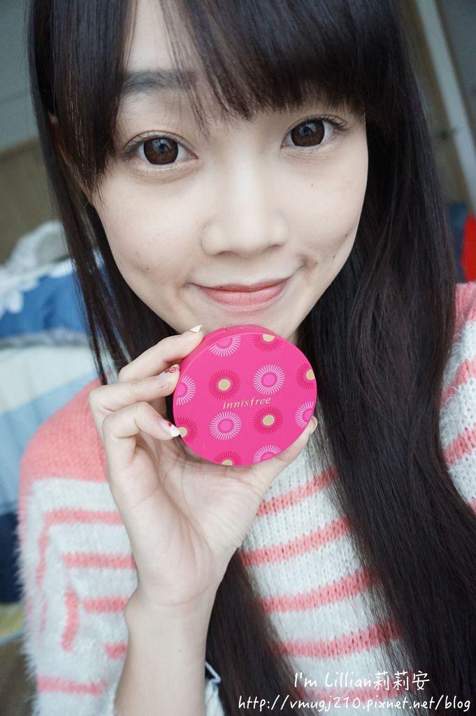 韓國美妝推薦innisfree233超潤色CC舒芙蕾粉餅 我的小棕瓶.JPG