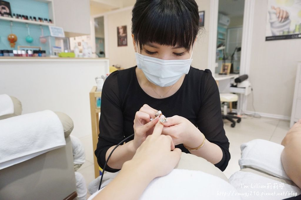 台北東區光療指甲推薦 台北大安美睫19海藍寶石.JPG