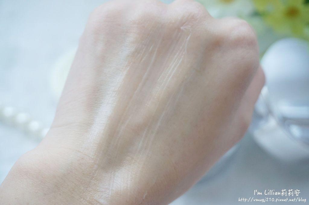 平價青春露推薦 +one%歐恩伊 眼霜推薦 精華液推薦 96黑鑽逆齡系列 黑鑽乳霜.JPG