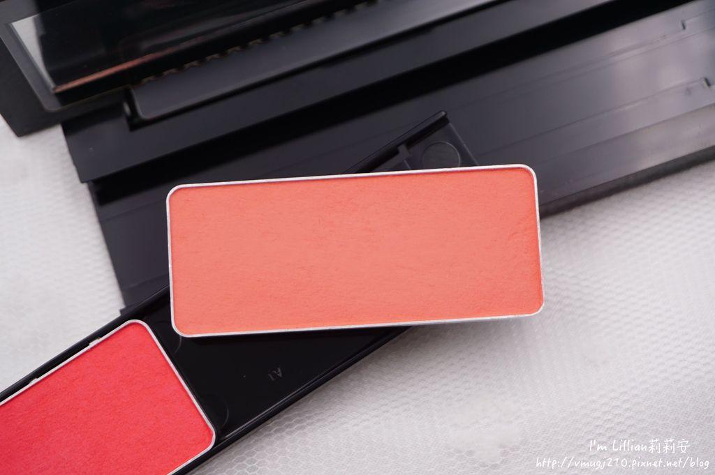 顯色持久腮紅推薦 植村秀183創意無限腮紅霜修容盤.JPG
