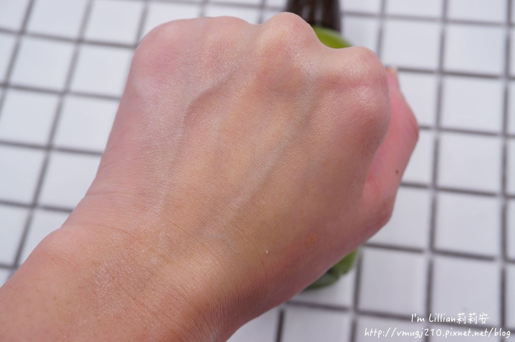 innisfree 綠茶保濕精華液60韓國保養推薦.JPG