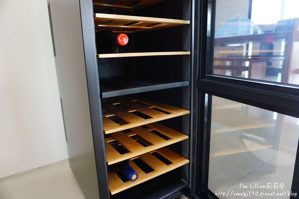 Frigidaire富及第 質感雙溫酒櫃54咖啡機推薦.JPG