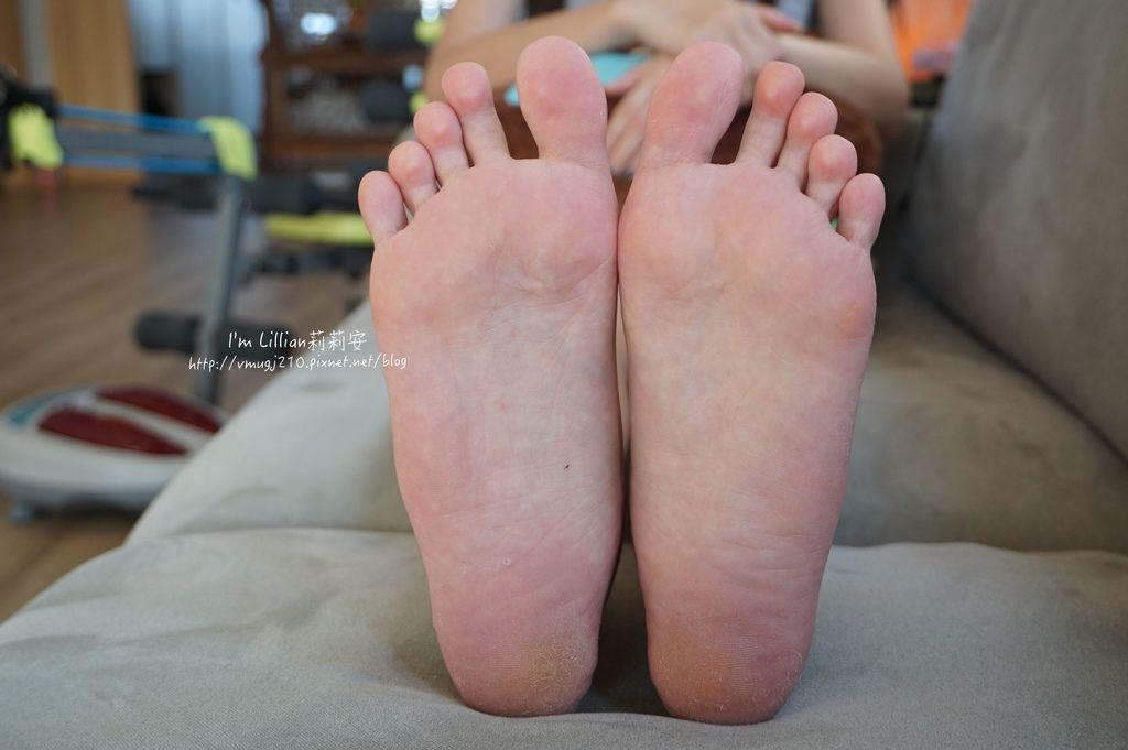 去腳皮推薦 FoottyFootty杏仁牛奶酸足膜53腳膜推薦.JPG