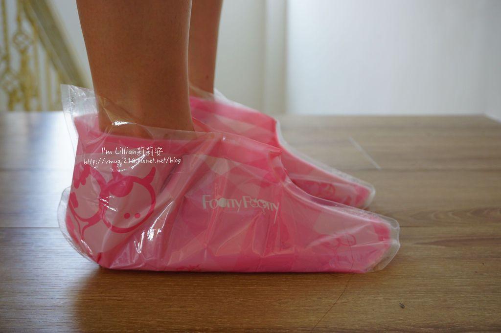 去腳皮推薦 FoottyFootty杏仁牛奶酸足膜100腳膜推薦.JPG