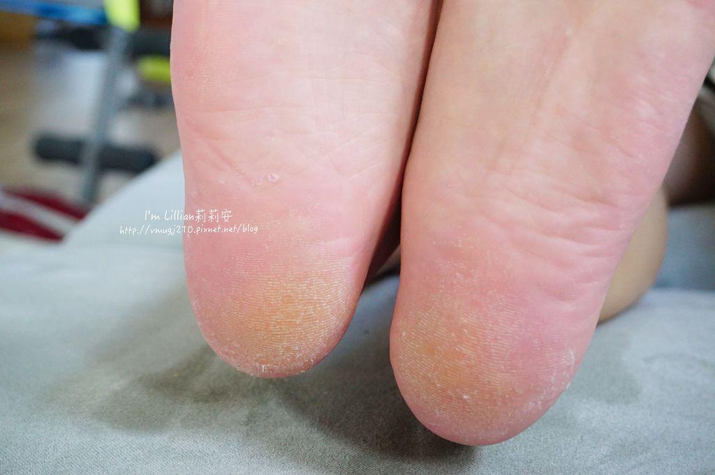 去腳皮推薦 FoottyFootty杏仁牛奶酸足膜117腳膜推薦.JPG