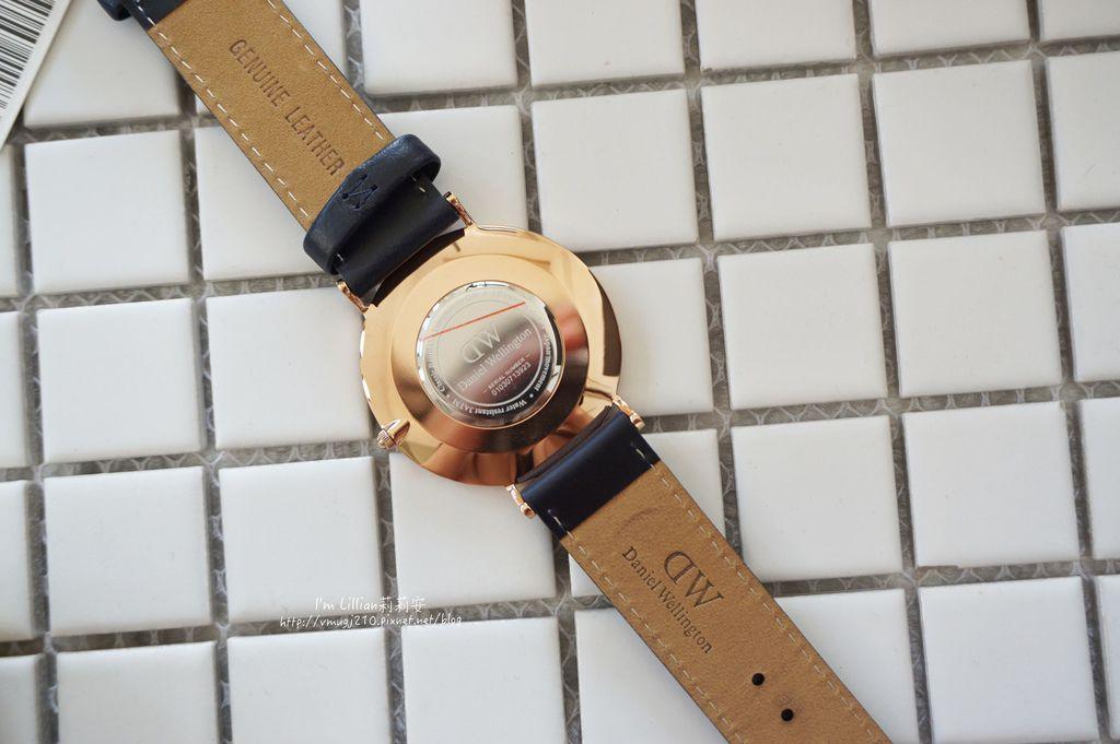 情人對錶推薦 DW手錶27限定版.JPG