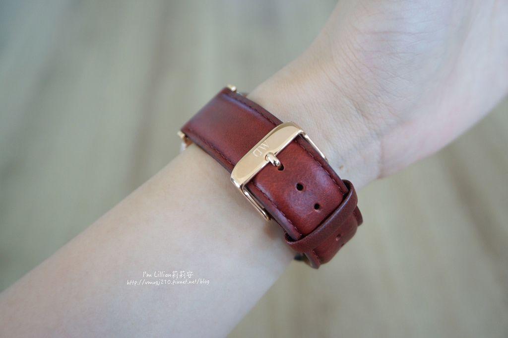 情人對錶推薦 DW手錶45限定版.JPG