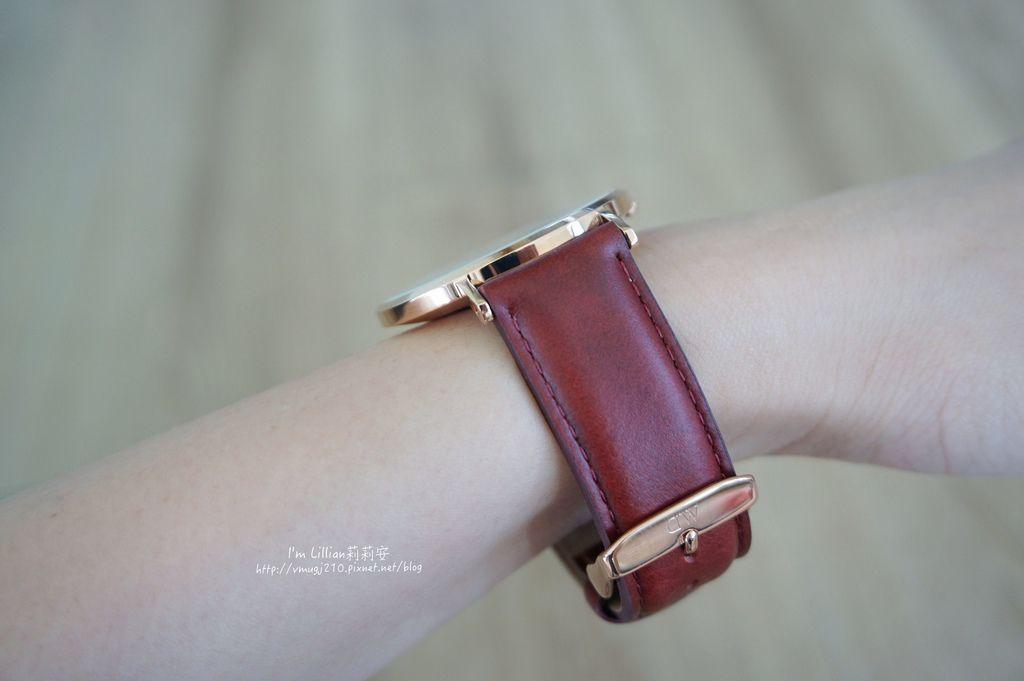 情人對錶推薦 DW手錶46限定版.JPG