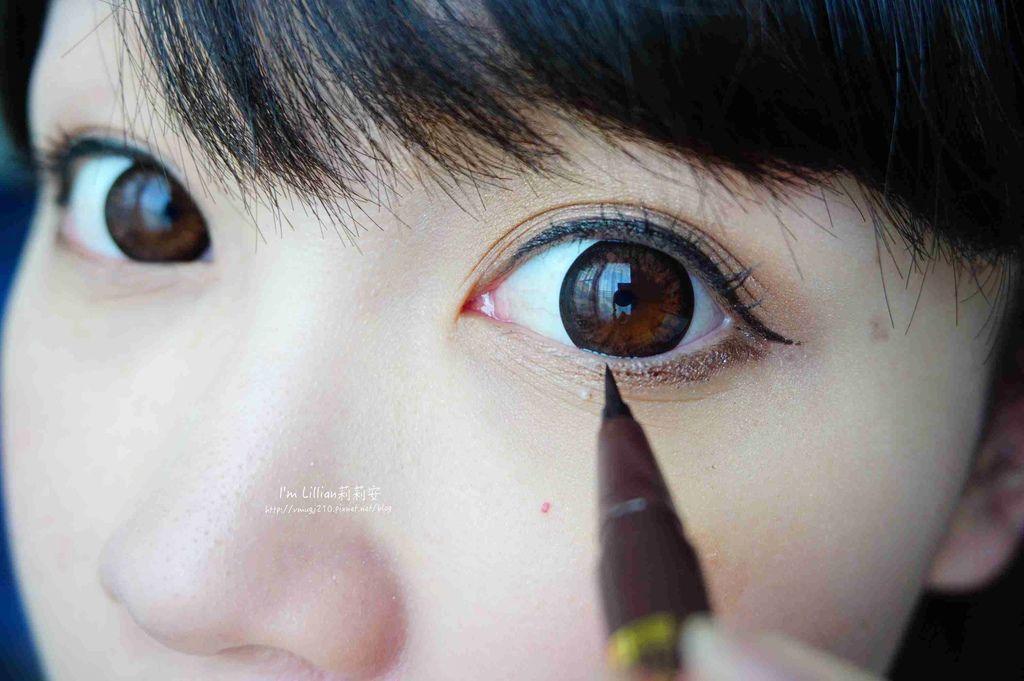 開架眼線液推薦 Creer Beaute 凡爾賽玫瑰133日本防水防油眼線液 .jpg