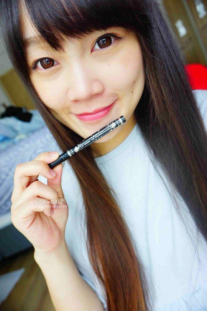 開架眼線液推薦 Creer Beaute 凡爾賽玫瑰232日本防水防油眼線液 .jpg