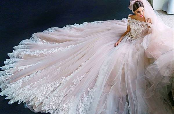 ◆(筆記) 新娘都在問:甚麼是類婚紗?什麼時候穿?