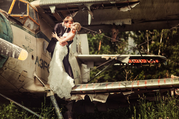 trash-the-dress-wedding-photography-posing-guide-01-26.jpg