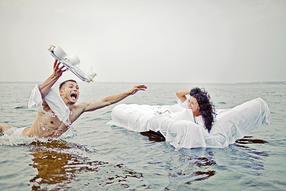 trash-the-dress-wedding-photography-posing-guide-10-27.jpg
