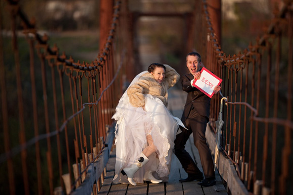 trash-the-dress-wedding-photography-posing-guide-11-30.jpg
