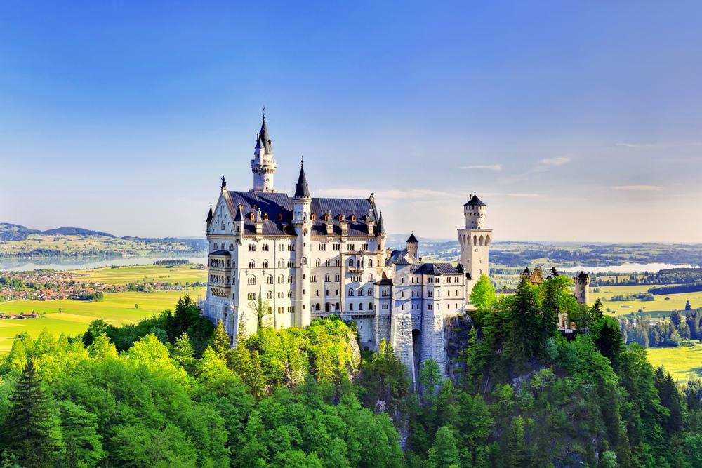 castles-in-europe-neuschwanstein.jpg